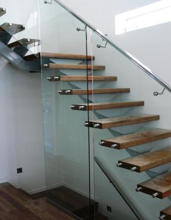 SS Pipe Wooden Step Modular Glass Stair Railing